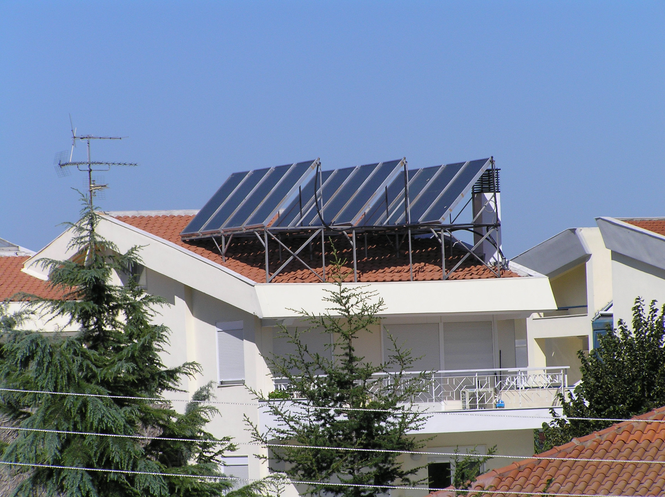 helional_solar_water_pool_system_panorama_2